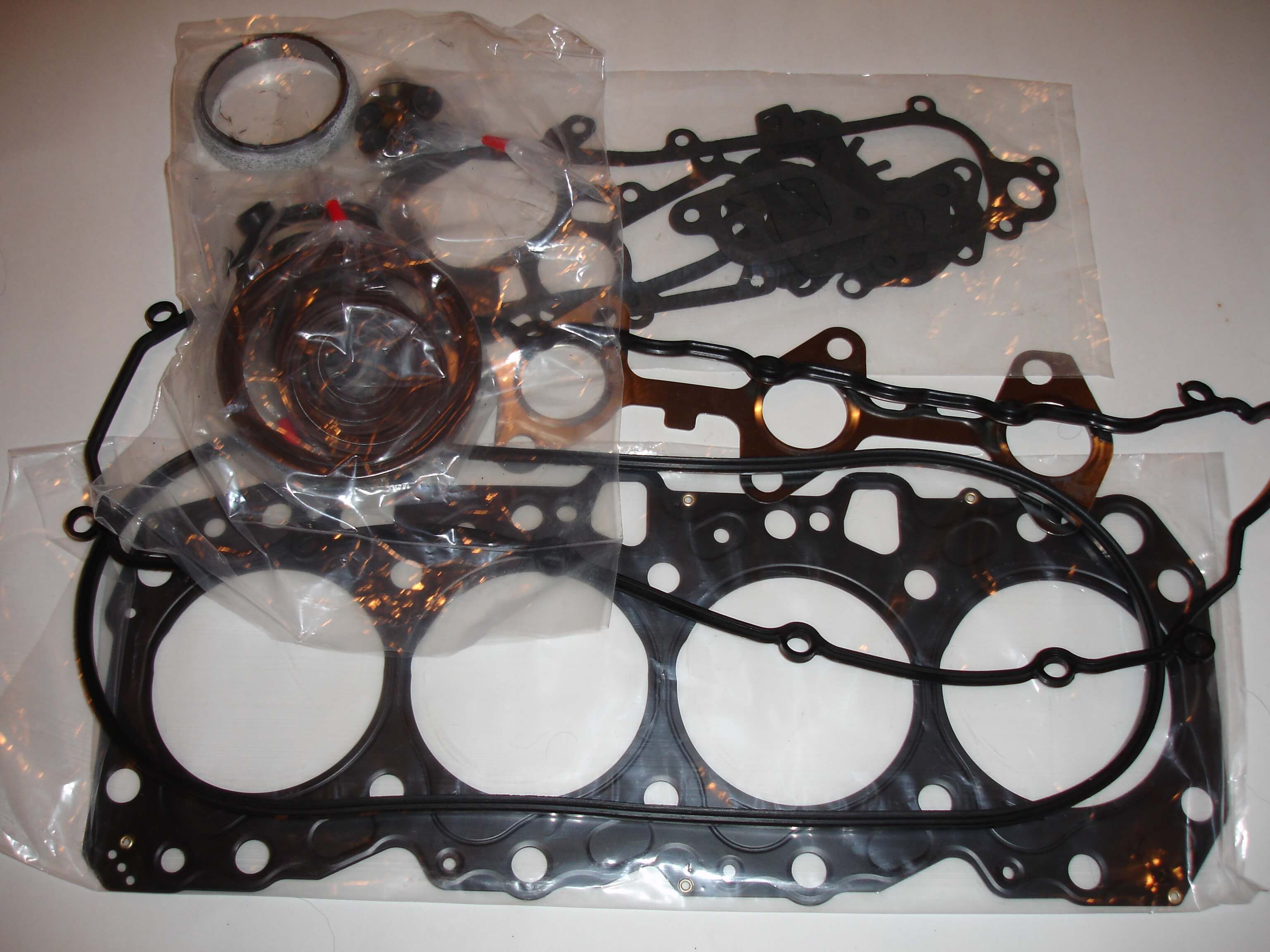 Toyota OEM Diesel 1KZ-TE Enginer Overhaul Gasket Kit 04111-67020 04111-67025