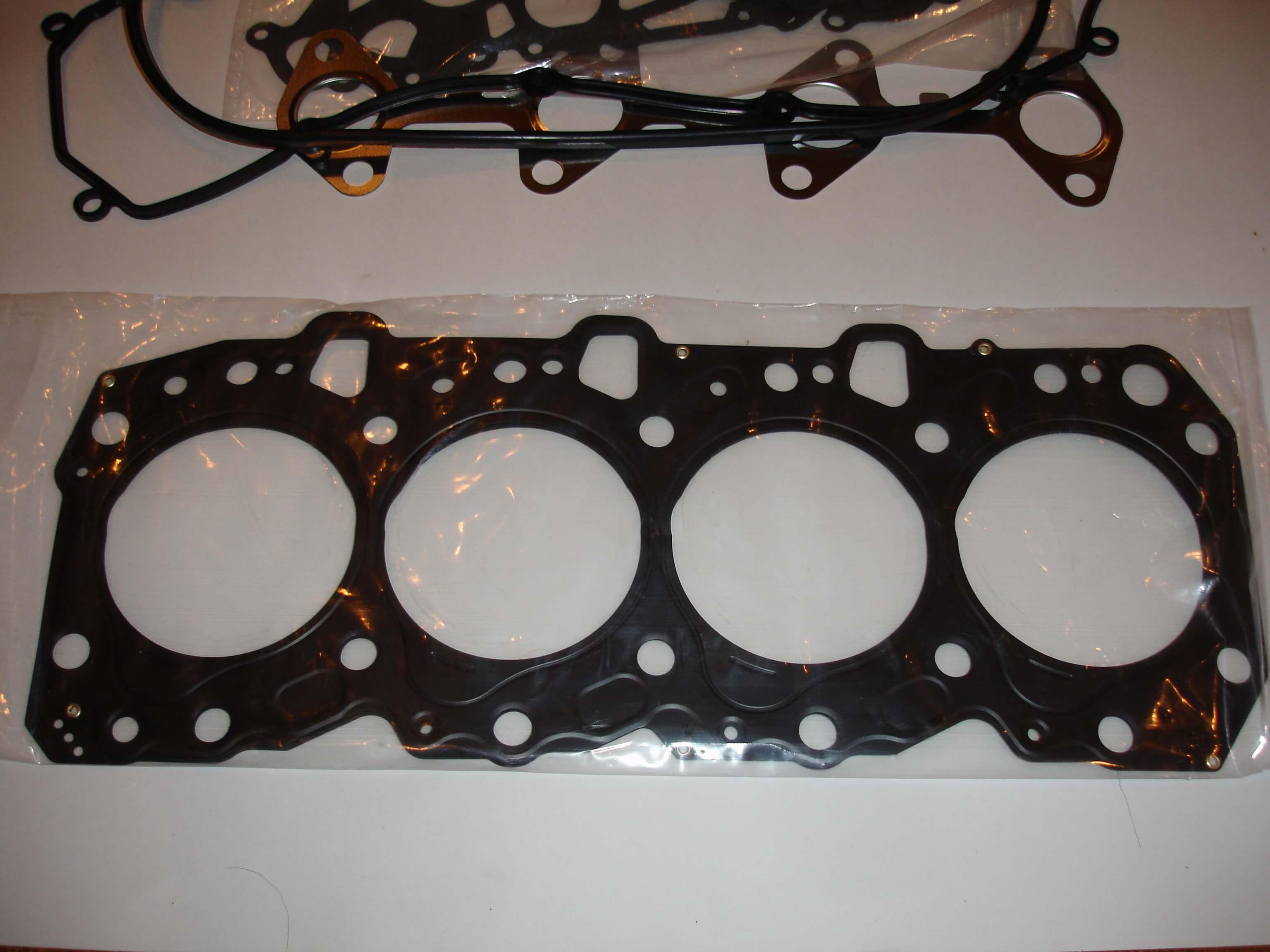 Toyota OEM Diesel 1KZ-TE Enginer Overhaul Gasket Kit 04111-67020 04111-67025