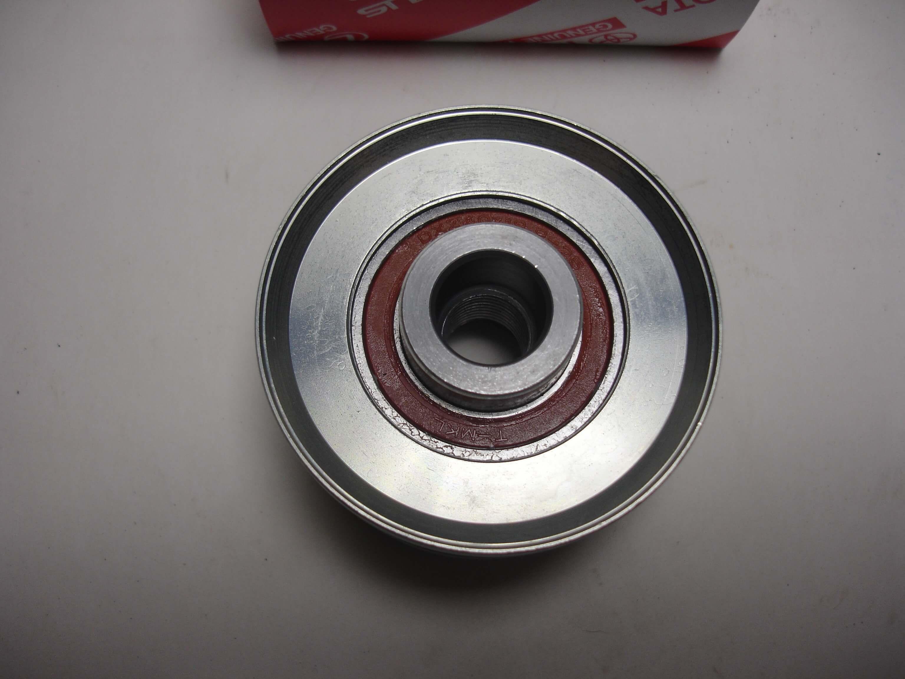 Toyota OEM Alternator Pulley With Clutch 27415-30020
